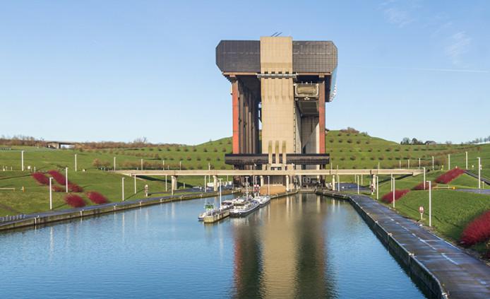 Mons - Le Château de Belœil et l'ascenseur à bateau