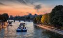 Paris - Croisière en bateau-mouche et Musée Grévin
